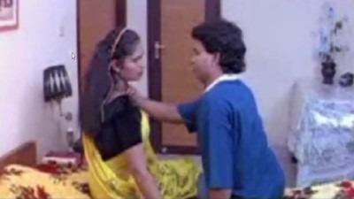 Tamil blue films bangala veetu manaiviyai sex seigiraan