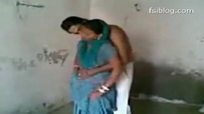 Anni kozhunthan pool oombi ookum hot tamil bhabhi videos