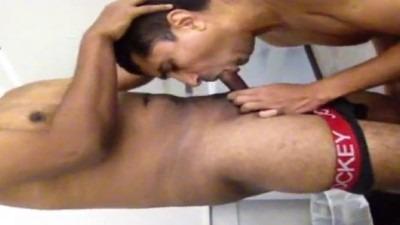 Chennai gay thondaiyil kanjai irakum sex videos
