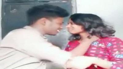 Chithapa magalai kiss seiyum tamil kiss sex video