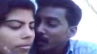 Pollachi penai nindra nilaiyil ookum tamil romantic sex video