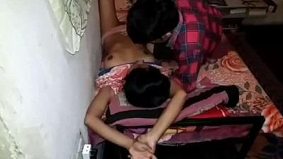 19 age pen kai adithu vidum tamil teen sex video