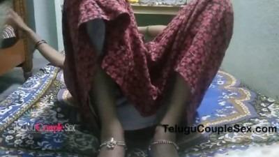 Nightyai thuki kuthiyil ookum madurai tamil wife sex videos